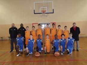 Remise de L'Équipement d'Entraînement à La Section Sportive Basket par MrVisse