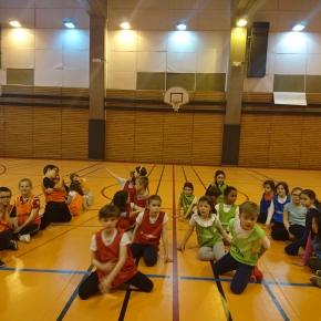 Initiation au Basket Avec Les CE2 de L'École Primaire de SaintMartin